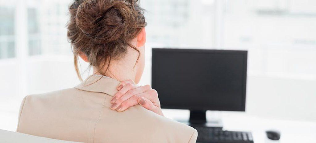 Trabajo sentado: ¿cómo reduzco el dolor de cuello?